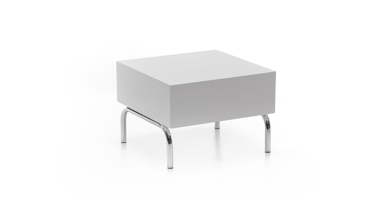 Image of Versis Table